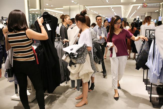 Clip: Zara, H&M, Uniqlo đồng loạt đổ bộ đã ảnh hưởng tới thói quen order và mua sắm của giới trẻ Việt ra sao? - Ảnh 7.