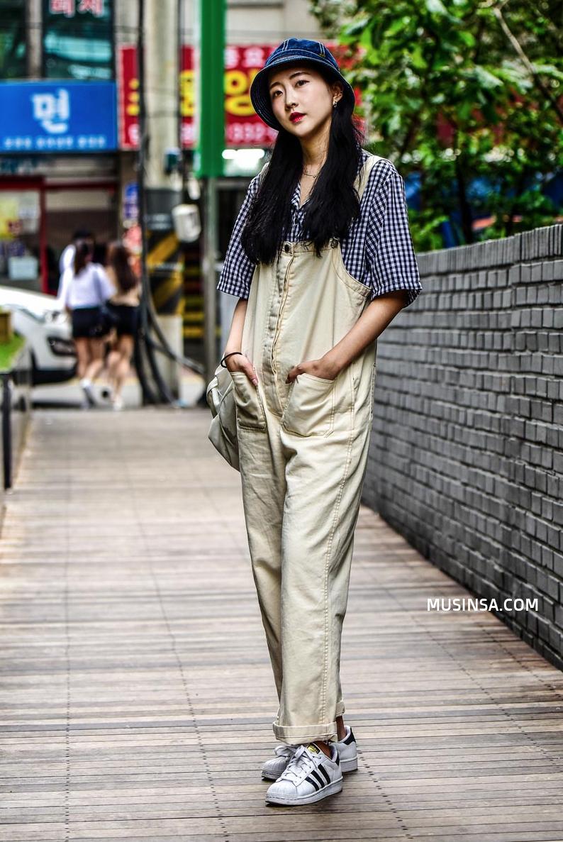 Áo phông, quần jeans, layering - 3 yếu tố đinh trong cách mix đồ chớm thu của giới trẻ Hàn - Ảnh 6.