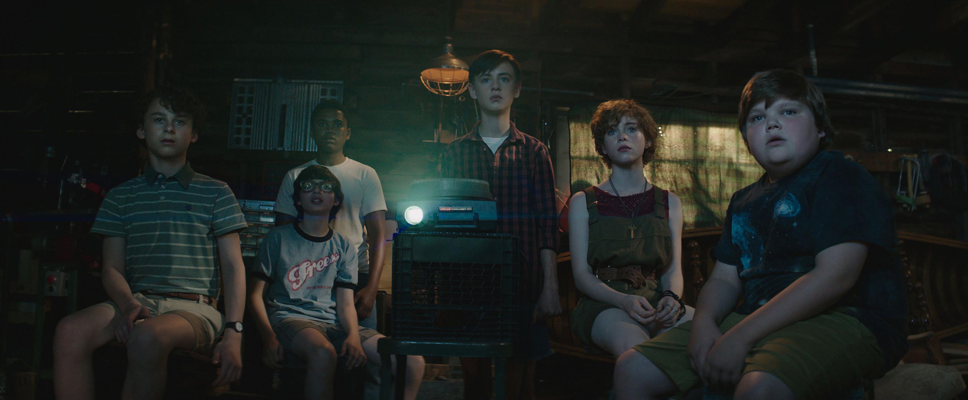 IT - Nỗi ám ảnh kinh hoàng từ tên hề đáng sợ nhất trên màn ảnh - Ảnh 5.