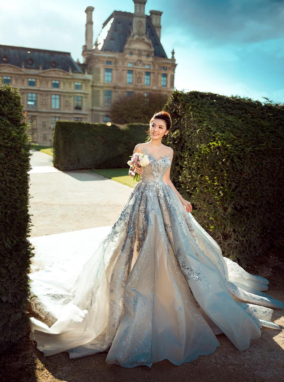 Hé lộ thiệp mời đám cưới của Nữ hoàng sắc đẹp Ngọc Duyên và chồng tỷ phú hơn 18 tuổi - Ảnh 4.