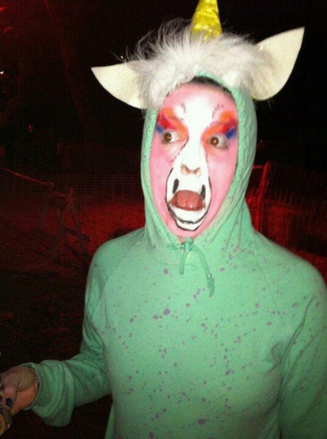 15 gợi ý về trang phục để bạn có một lễ Halloween...không thể tồi tệ hơn. - Ảnh 8.