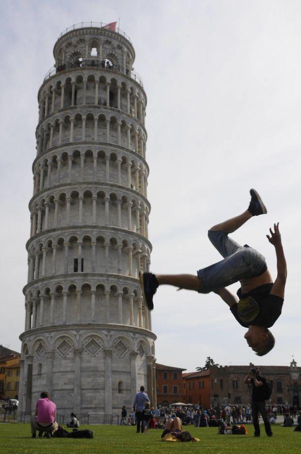 16 kiểu chụp ảnh sống ảo sáng tạo với tháp nghiêng Pisa - Ảnh 3.