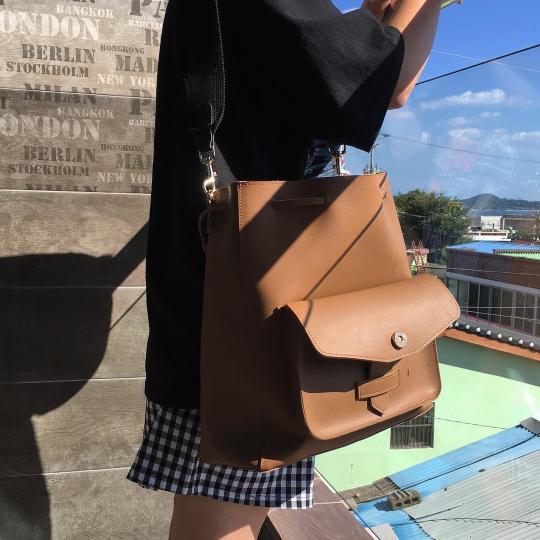 Ai bảo túi đi học không thể trendy? Đây là 5 kiểu túi cực xinh và chất mà các nàng có thể diện đến trường - Ảnh 22.