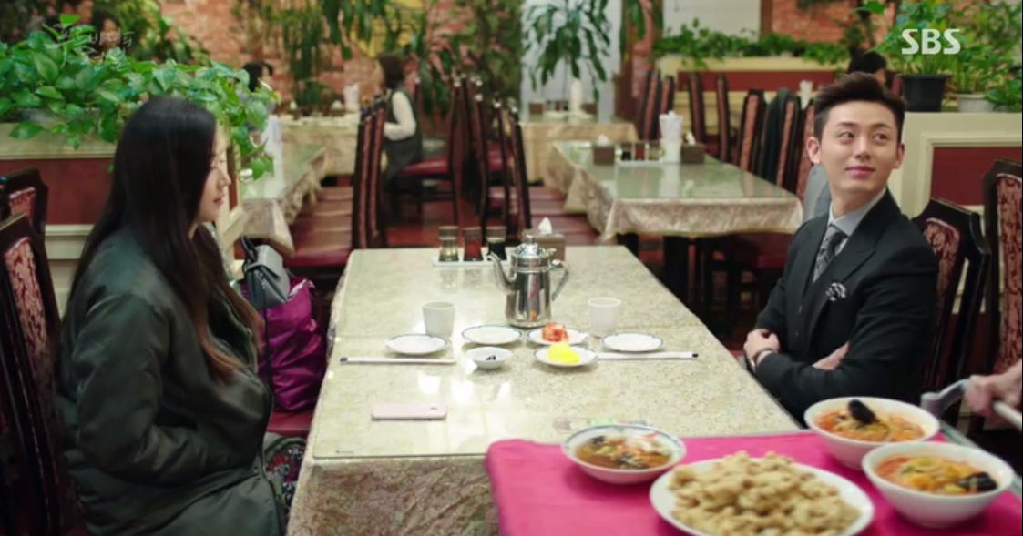 Huyền Thoại Biển Xanh: Gặp anh trai và bạn gái mình ăn mảnh, đố bạn Lee Min Ho nói gì? - Ảnh 2.
