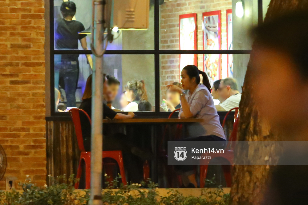 Mang thai gần 9 tháng, Hà Tăng vẫn vui vẻ bồng bế con trai đi chơi sau giờ làm - Ảnh 7.
