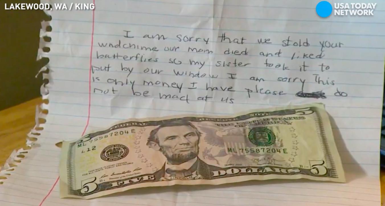 Cậu bé lấy trộm chiếc chuông gió rồi để lại tiền và nguyên nhân cảm động phía sau - Ảnh 1.