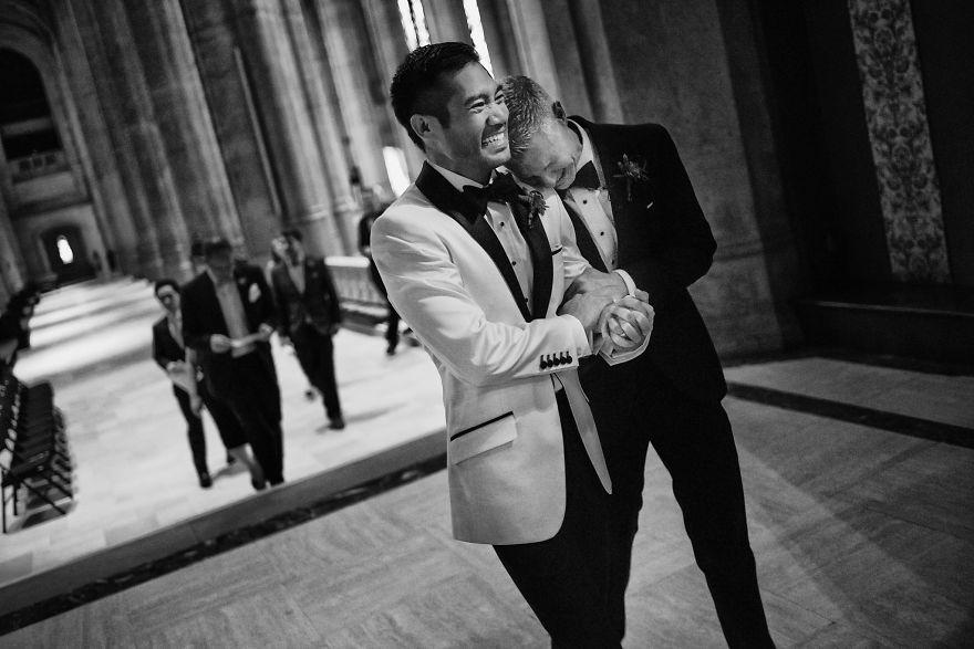 19 khoảnh khắc đám cưới đồng tính tuyệt đẹp khiến con người ta thêm niềm tin vào tình yêu - Ảnh 29.