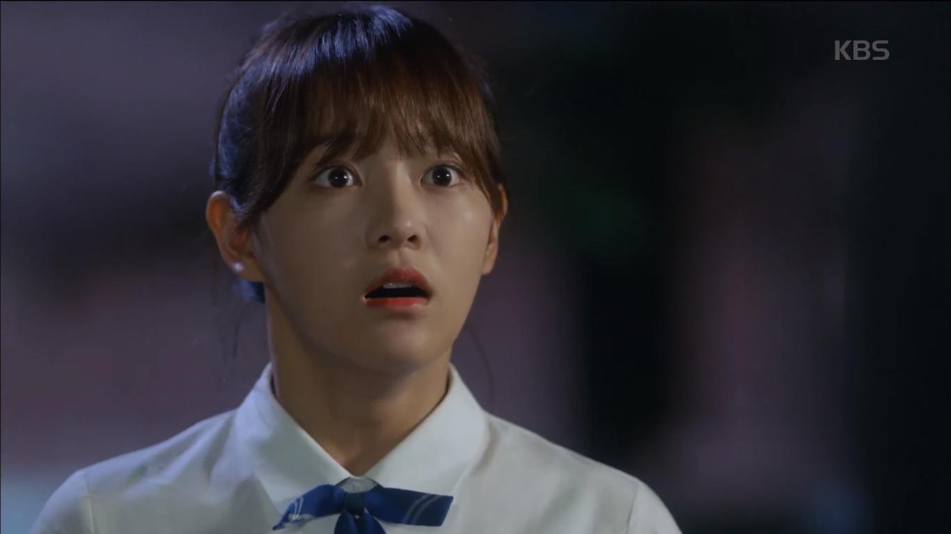 """""""School 2017"""": Liệu có phải con trai nào cũng có khuôn mặt """"dại gái"""" như thế này khi nhìn thấy gái xinh Se Jeong? - Ảnh 16."""