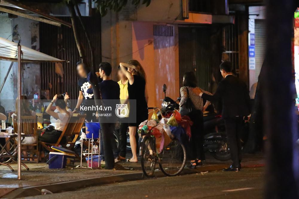 HOT: Bắt gặp Hà Hồ - Kim Lý tay trong tay đi ăn đêm rồi cùng về chung một nhà - Ảnh 7.