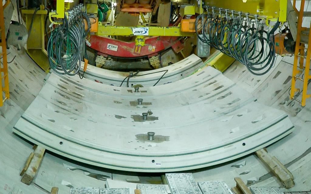 Cận cảnh hầm Metro Bến Thành - Suối Tiên dần rõ dáng sau gần 100 ngày thi công giữa lòng Sài Gòn - Ảnh 11.