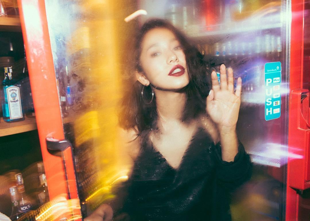 Nhỏ xinh nhưng lợi hại, đây là món phụ kiện nâng tầm phong cách đang được các hot girl Việt diện cực nhiều - Ảnh 6.