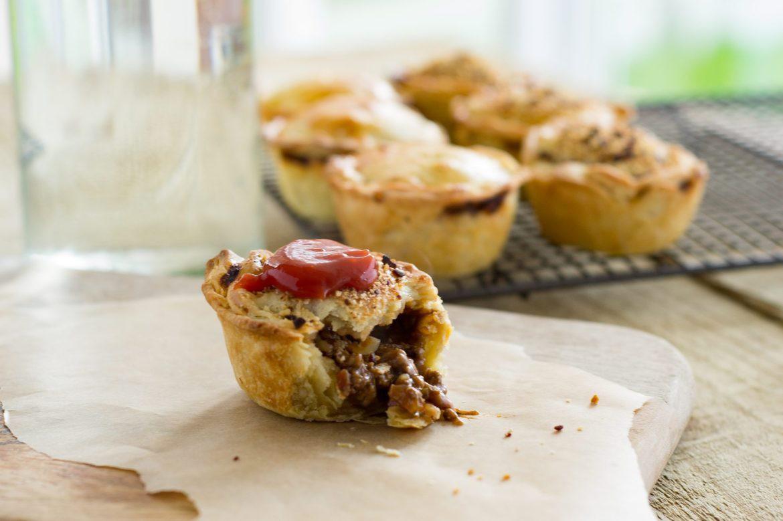 Món bánh nhất định phải ăn cho bằng được nếu có dịp đến Úc để không phí cả chuyến đi - Ảnh 6.