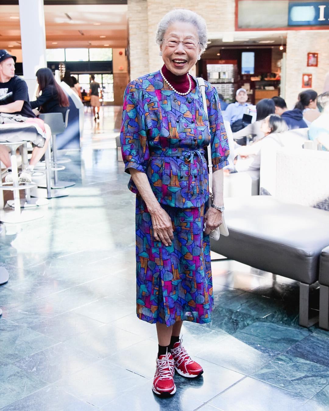 Không đăng hình giới trẻ, tài khoản Instagram này lại tôn vinh street style đi chợ của các cụ già và được hưởng ứng vô cùng - Ảnh 9.