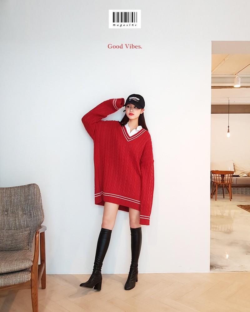 Đi chơi Giáng sinh nhất định phải diện áo len đỏ và đây là 12 gợi ý mix đồ với áo len đỏ xinh lung linh cho bạn - Ảnh 7.