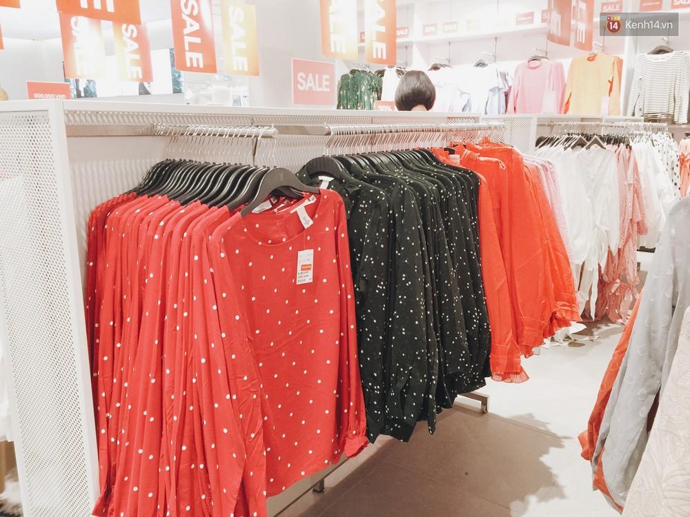 Thông báo sale tới 50%, H&M khiến tín đồ thời trang Hà Nội hụt hẫng vì sale quá ít đồ và không sale đồ Đông - Ảnh 5.