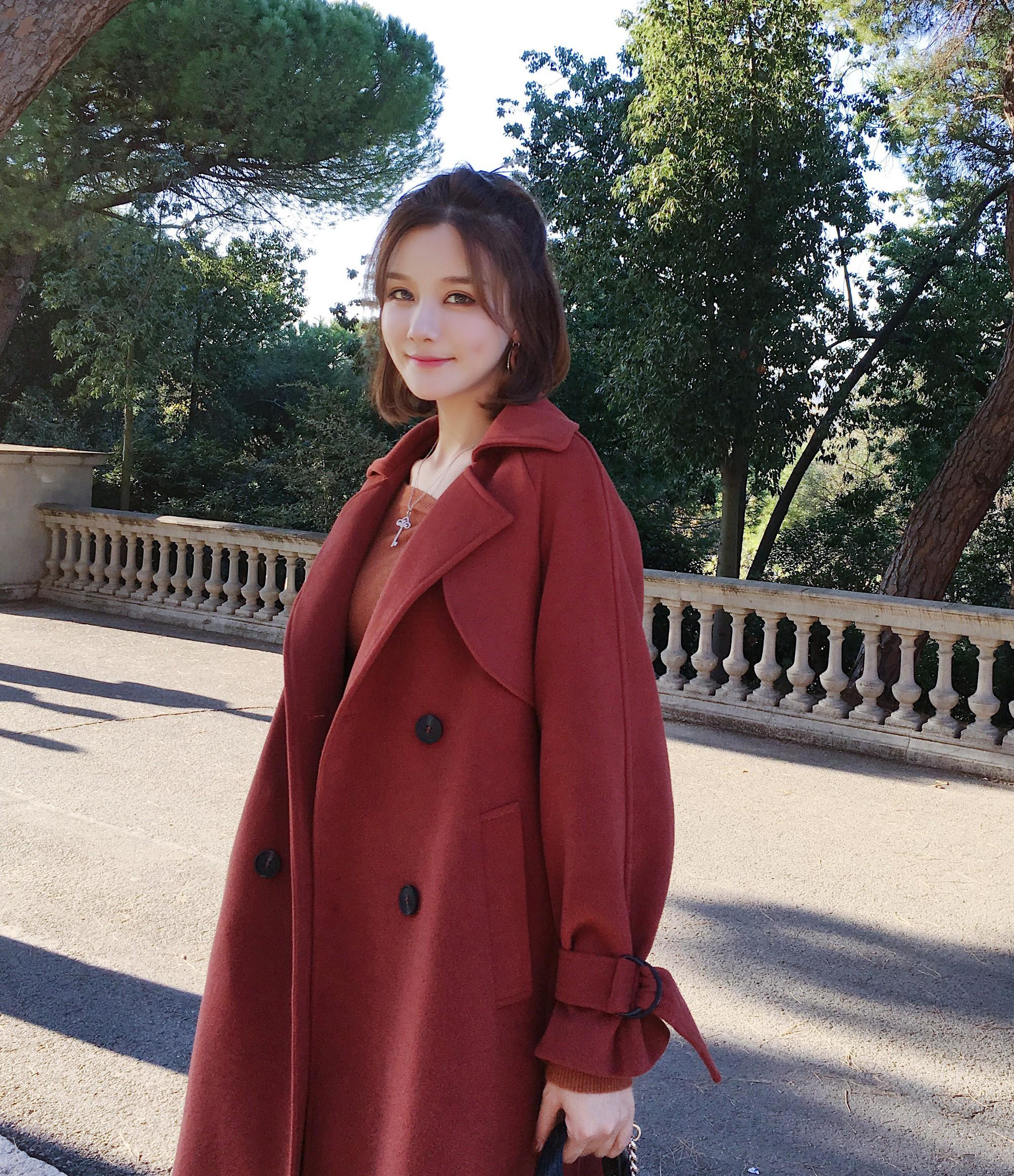 Lỡ tay tắt nhầm hiệu ứng làm đẹp khi livestream, hot girl Trung Quốc lộ nhan sắc thật - Ảnh 3.