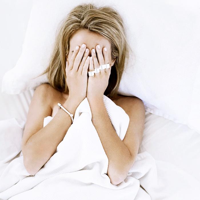 Làm 5 việc này trước khi ngủ, bạn sẽ bất ngờ khi nhìn vào gương sáng hôm sau - Ảnh 3.