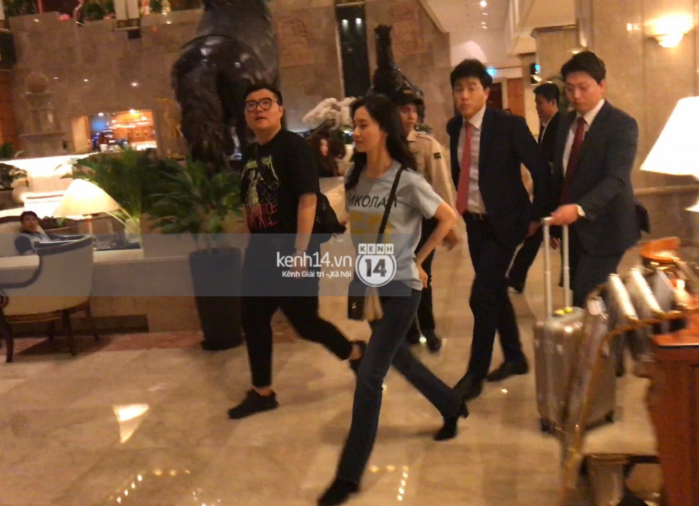 Yoona thay trang phục năng động trở về khách sạn nghỉ ngơi trước khi ra sân bay - Ảnh 4.
