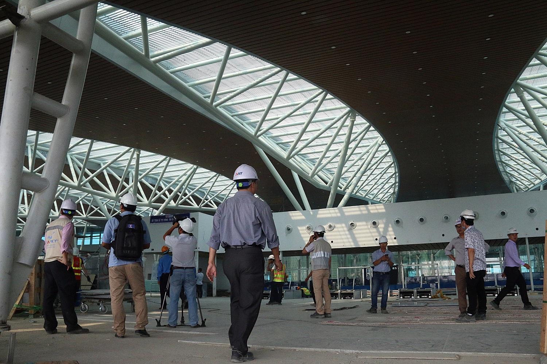 Cận cảnh nhà ga hành khách quốc tế hơn 3.500 tỷ đồng sắp hoàn thành ở Đà Nẵng - Ảnh 8.
