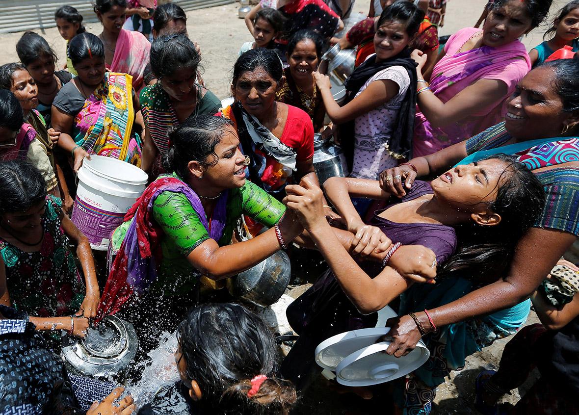 Ngày Nước thế giới, nhìn lại những bức hình ám ảnh về thực trạng khan hiếm nước trên toàn thế giới - Ảnh 7.