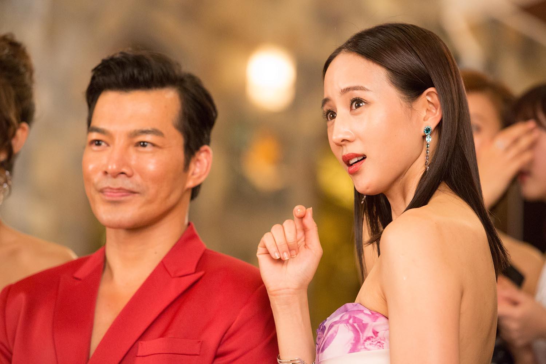 Trương Quân Ninh, Trần Ý Hàm mê chơi đến... bay cả quần áo ở tiệc xa hoa của Trần Bảo Sơn - Ảnh 7.
