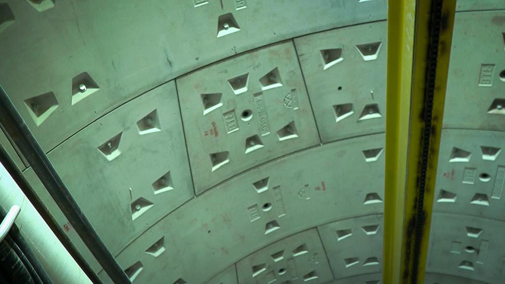 Cận cảnh hầm Metro Bến Thành - Suối Tiên dần rõ dáng sau gần 100 ngày thi công giữa lòng Sài Gòn - Ảnh 13.
