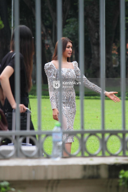 Nhan sắc khi chưa photoshop của Hoàng Thùy cùng dàn thí sinh Hoa hậu Hoàn vũ Việt Nam giữa trưa nắng - Ảnh 6.