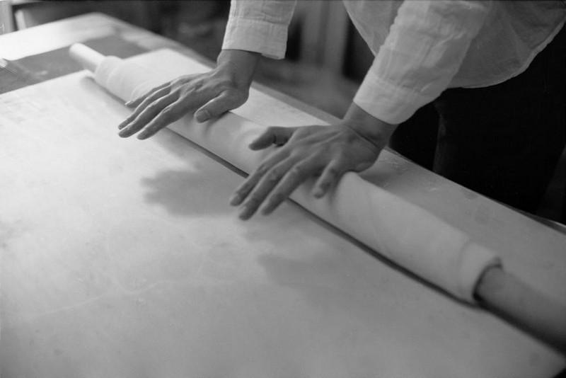 Tô mì chỉ có 1 sợi duy nhất to hơn chiếc đũa, phải đặt lịch và xếp hàng thì mới có ăn - Ảnh 2.