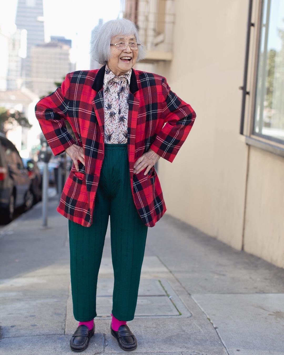 Không đăng hình giới trẻ, tài khoản Instagram này lại tôn vinh street style đi chợ của các cụ già và được hưởng ứng vô cùng - Ảnh 10.