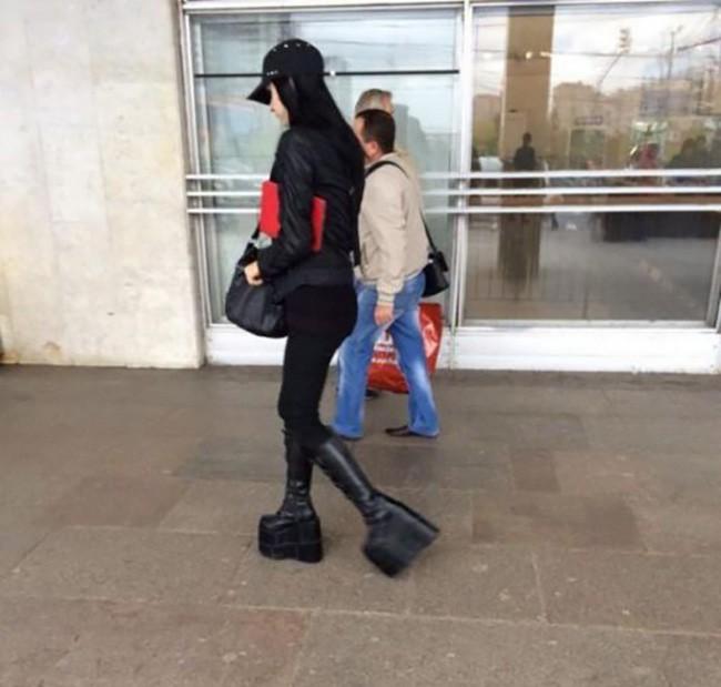 Bó tay với 20 thảm họa thời trang tự tin dạo phố - Ảnh 9.