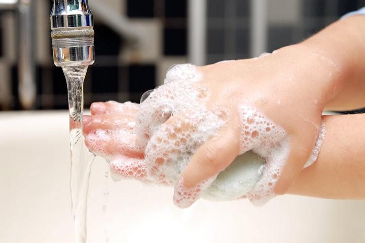 8 cách ngăn ngừa cảm lạnh vào mùa đông cực kỳ hiệu quả mà bạn nên thử ngay - Ảnh 7.