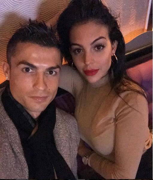 10 bức ảnh nhận bão LIKE trên Instagram của Ronaldo - Ảnh 4.