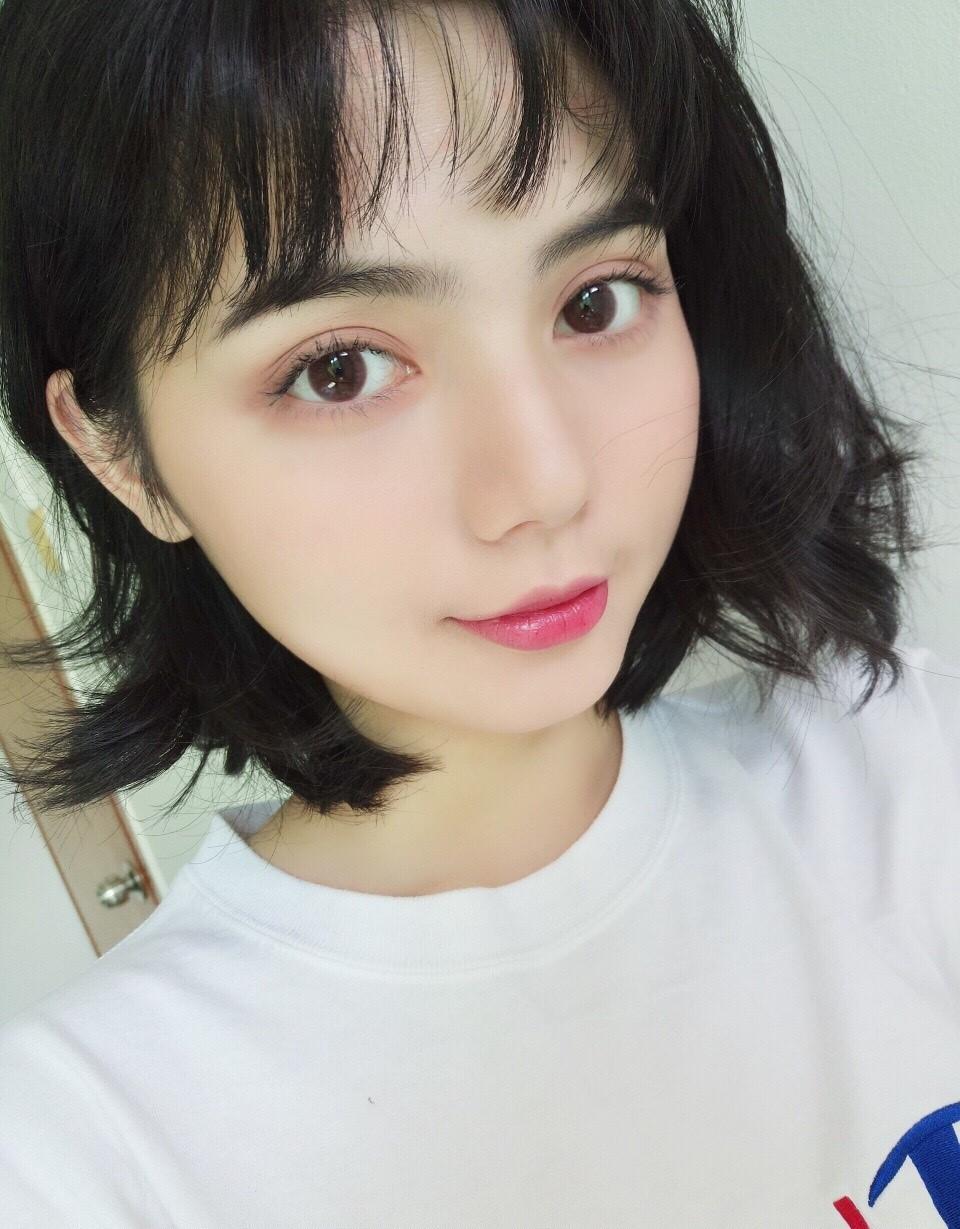 Chu Diệp - Hot girl mặt tròn mắt to Trung Quốc xinh hết phần người khác