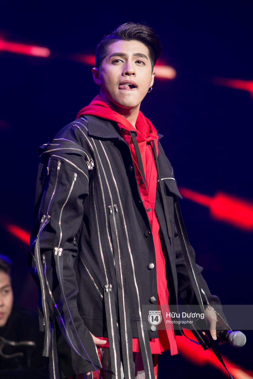 Noo Phước Thịnh khiến khán giả Việt nở mày nở mặt với phần biểu diễn tại Malaysia - Ảnh 3.