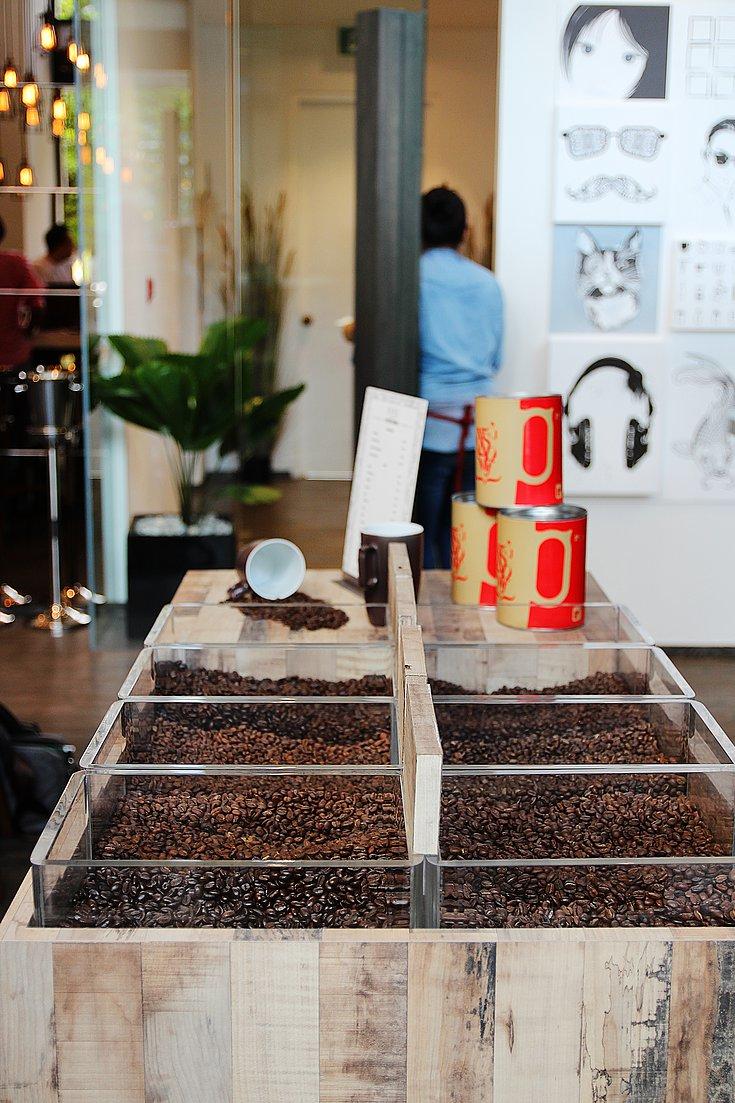 4 quán mới này sẽ chứng minh chẳng bao giờ bạn đi hết nổi cafe đẹp ở Bangkok! - Ảnh 25.
