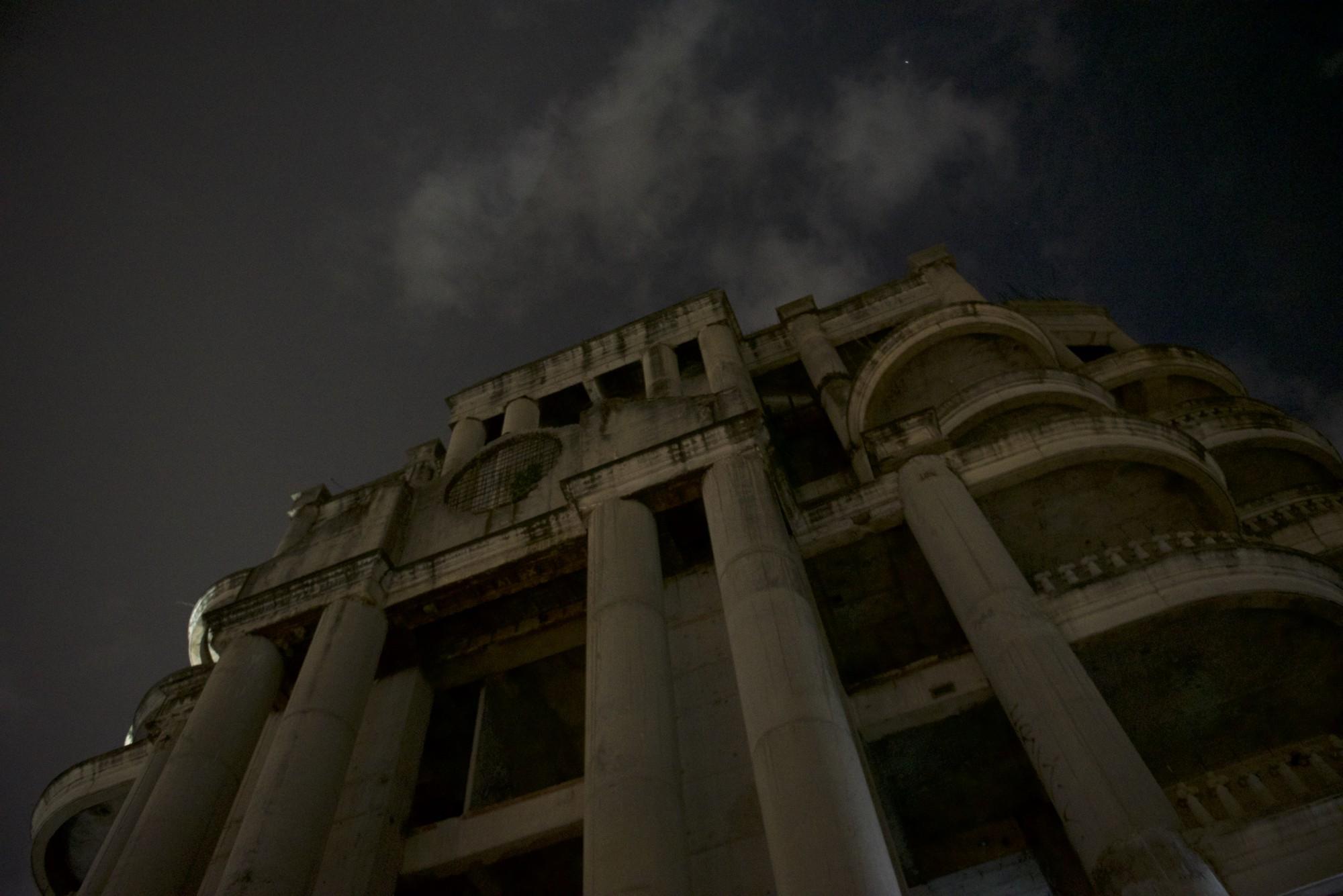 The Promise: Những sự thật rùng rợn về tòa nhà ma ám nổi tiếng nhất Thái Lan - Ảnh 1.