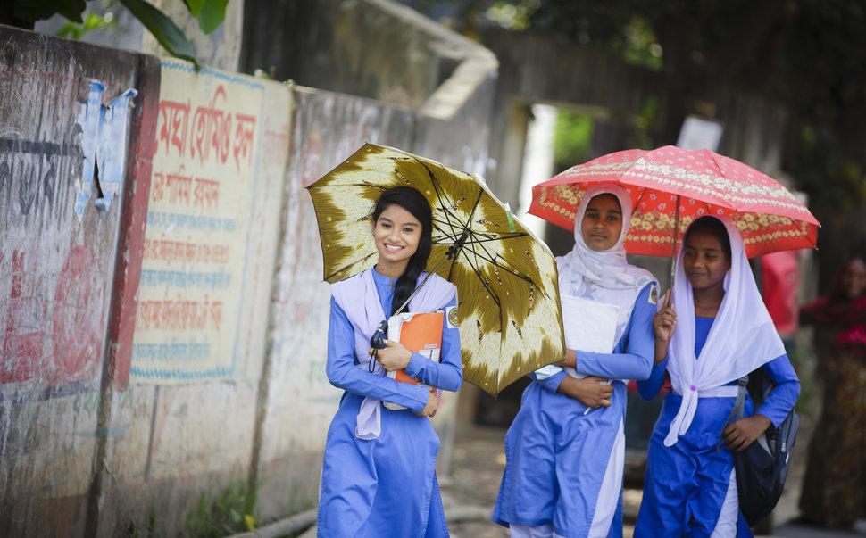 Quốc tế con gái 11/10: Hành trình đến trường gian nan của những bé gái trên toàn thế giới - Ảnh 16.