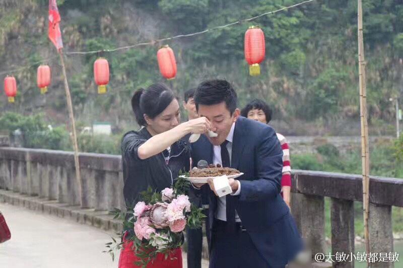 Nữ hoàng nhảy cầu Trung Quốc bật khóc khi bạn trai kém tuổi cầu hôn - Ảnh 8.