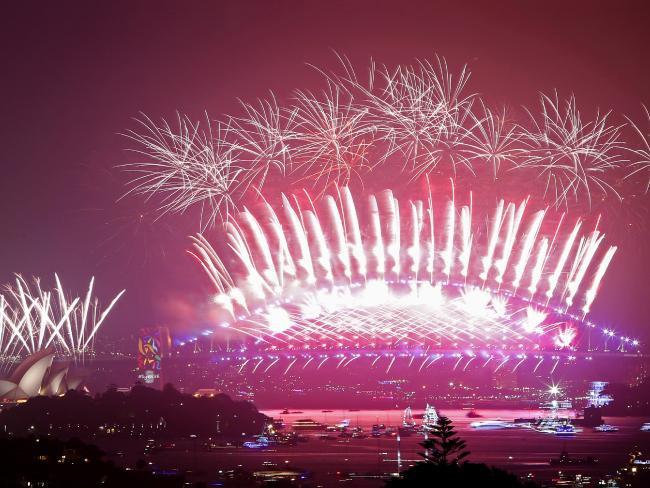Bầu trời Úc rực rỡ thời khắc Giao thừa: Pháo hoa Cầu vồng ăn mừng nước Úc hợp pháp hôn nhân đồng giới - Ảnh 6.