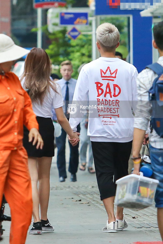 Will diện đồ ton sur ton, vô tư tay trong tay với bạn gái mới đi dạo phố đi bộ - Ảnh 8.
