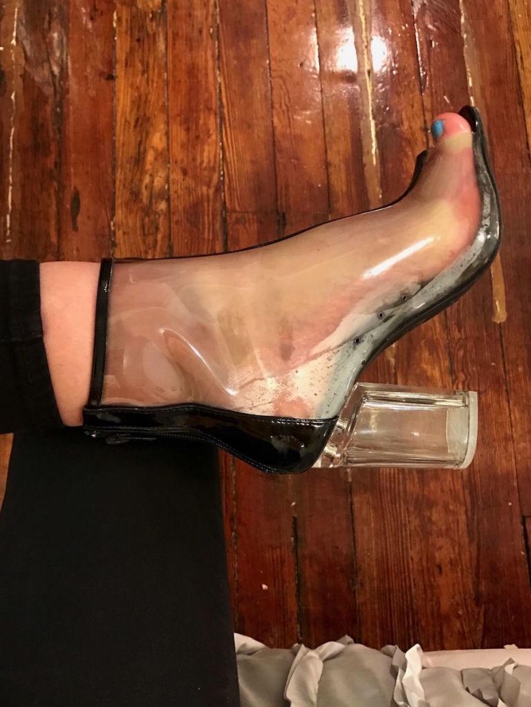 Các cô nàng đú đởn diện boots trong suốt giống Kim và nhận ra sự thật bốc mùi - Ảnh 10.