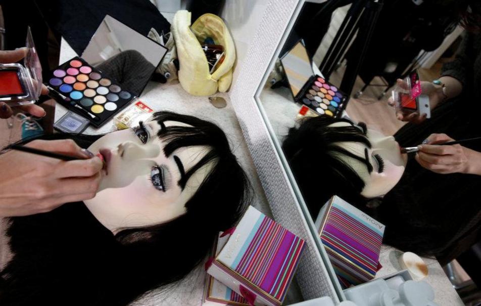 Chân dung búp bê sống tại Nhật Bản: Khi ranh giới giữa người và búp bê gần như bị xóa nhòa - Ảnh 14.