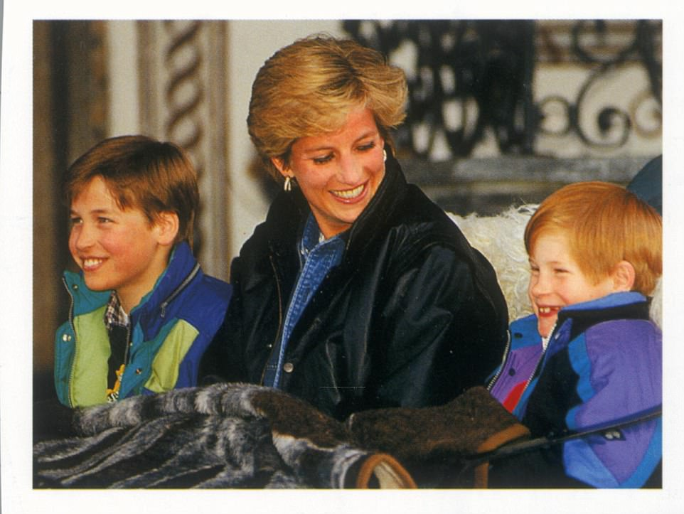 Chùm ảnh: Những khoảnh khắc hạnh phúc và ngọt ngào của Công nương Diana bên các con - Ảnh 12.
