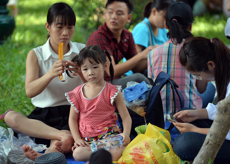Chùm ảnh: Biển người đổ về khu vui chơi ở Hà Nội trong ngày đầu nghỉ lễ Quốc khánh - Ảnh 8.
