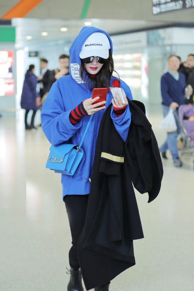 Giới trẻ châu Á đang sốt rần rần vì chiếc mũ của bố cool không tưởng đến từ Balenciaga - Ảnh 6.
