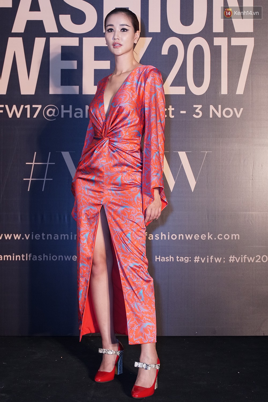 Thảm đỏ VIFW ngày 2: Giữa một dàn hot girl áo dài Quỳnh Anh Shyn, Salim... bỗng xuất hiện Linh Ka mặc váy trắng công chúa - Ảnh 16.