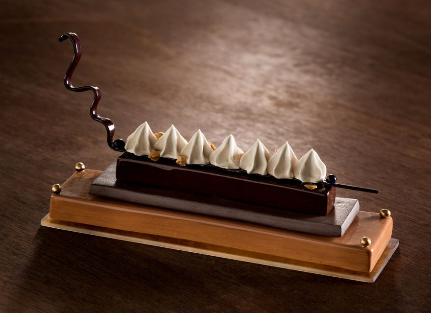 Chiêm ngưỡng những chiếc bánh ngọt vô cùng đẹp mắt được làm bằng thủy tinh và sứ - Ảnh 14.