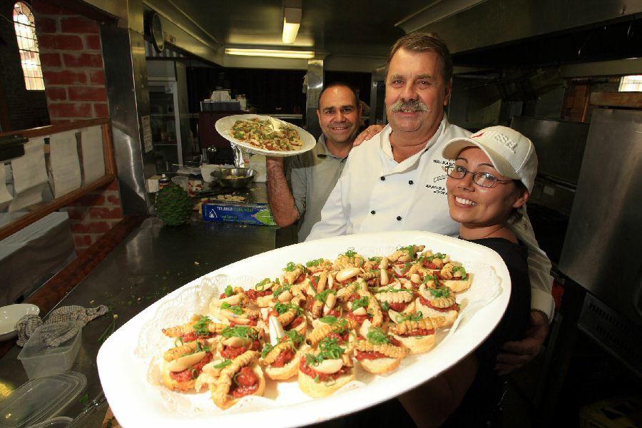 Món ăn độc nhất vô nhị của thổ dân Úc, nhìn đáng sợ hơn cả đuông dừa Việt Nam - Ảnh 5.