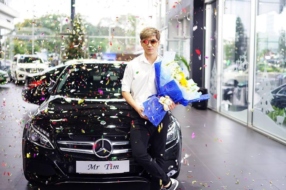 Cập nhật giữa tâm bão: Tim tậu xe hơi mới trong lúc Trương Quỳnh Anh đưa con trai đi học bằng xe máy - Ảnh 1.