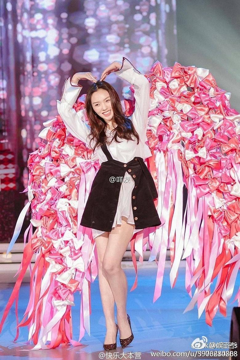 Hóa ra Dương Mịch, Angela Baby... đều đã từng đeo cánh ăn theo các thiên thần Victorias Secret và trổ tài catwalk - Ảnh 6.